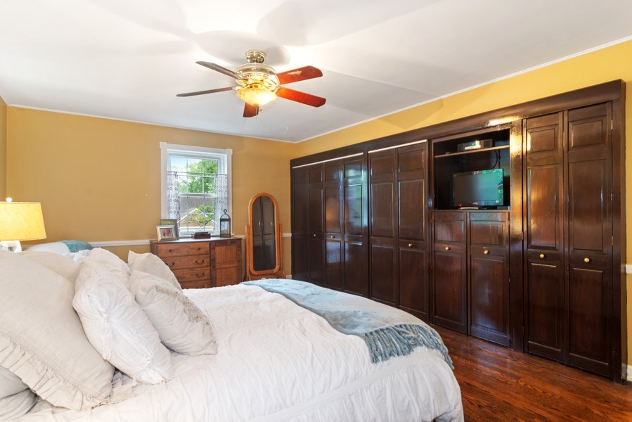 Real Estate Photography - 222 S Albert St, Mount Prospect, IL, 60056 - Master Bedroom