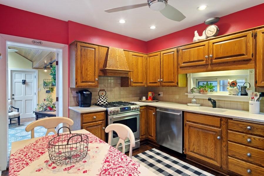 Real Estate Photography - 222 S Albert St, Mount Prospect, IL, 60056 - Kitchen / Breakfast Room
