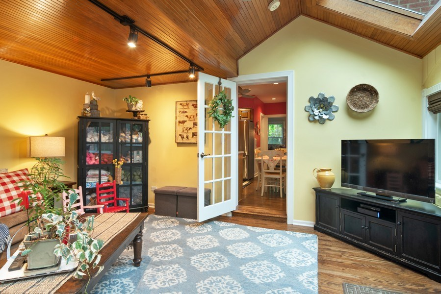 Real Estate Photography - 222 S Albert St, Mount Prospect, IL, 60056 - Family Room
