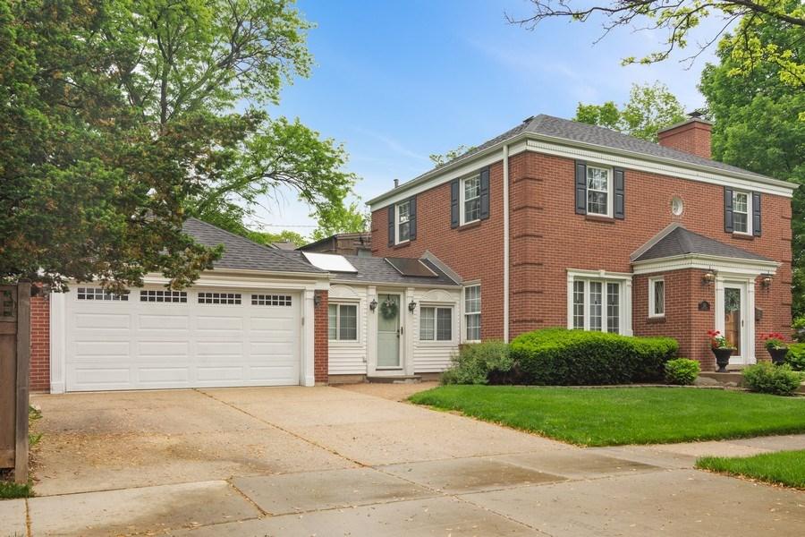 Real Estate Photography - 222 S Albert St, Mount Prospect, IL, 60056 - Garage