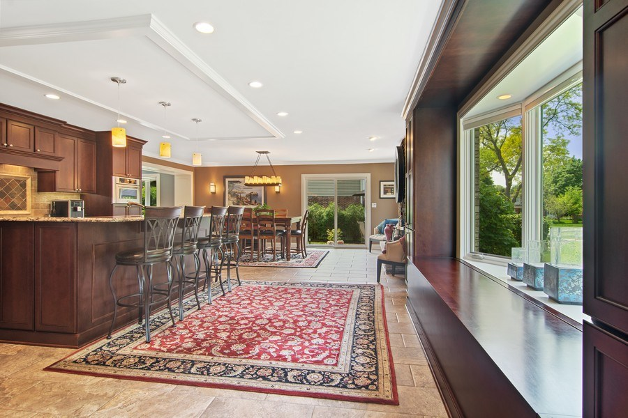 Real Estate Photography - 1231 W Heather, Arlington Heights, IL, 60005 - Kitchen / Breakfast Room