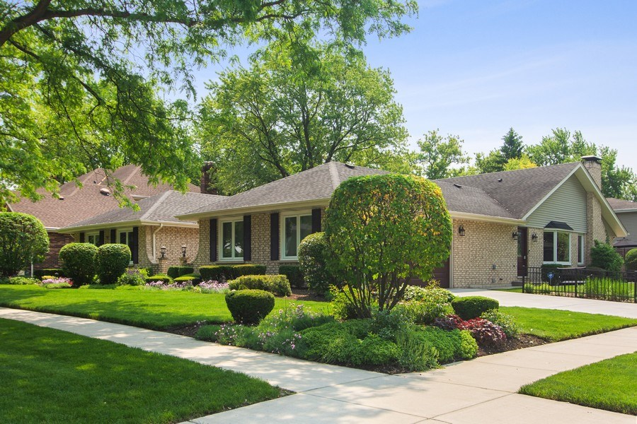 Real Estate Photography - 1231 W Heather, Arlington Heights, IL, 60005 - Front View
