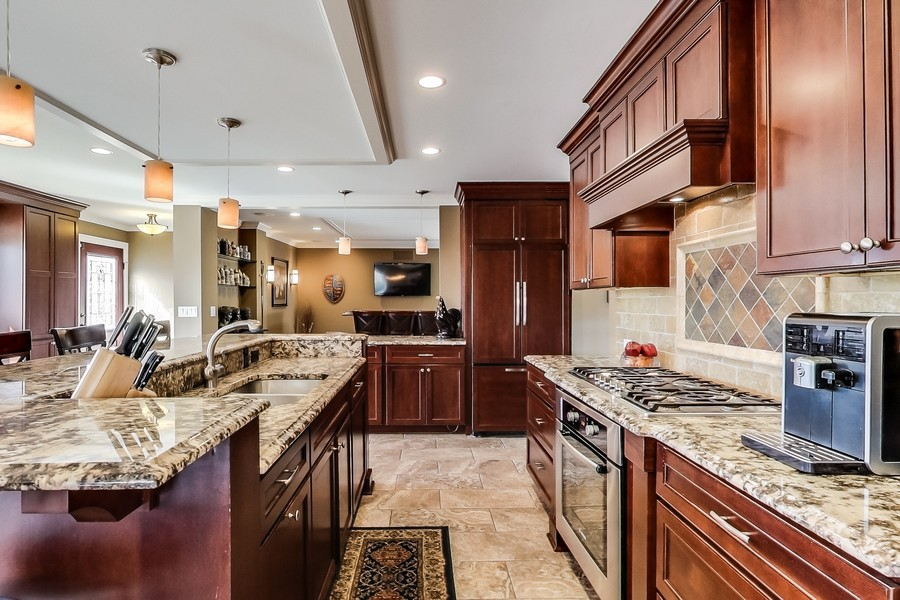 Real Estate Photography - 1231 W Heather, Arlington Heights, IL, 60005 - Kitchen RV