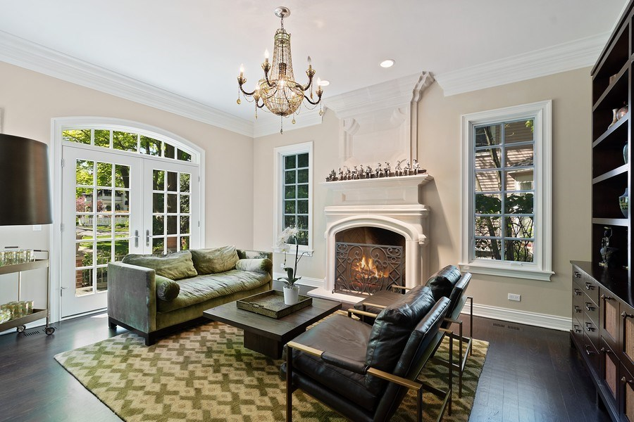 Real Estate Photography - 205 Laurel, Highland Park, IL, 60035 - Living Room