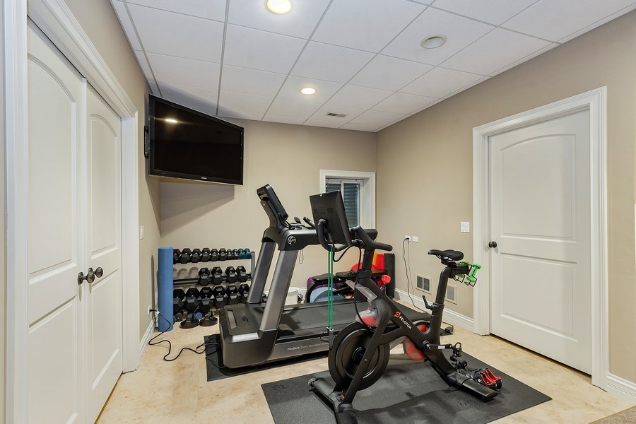 Real Estate Photography - 205 Laurel, Highland Park, IL, 60035 - Exercise Room