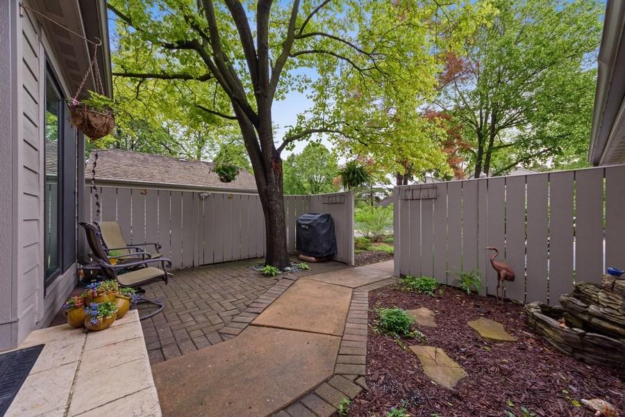 Real Estate Photography - 376 N Oak Hill Road, Lake Barrington, IL, 60010 - Entryway