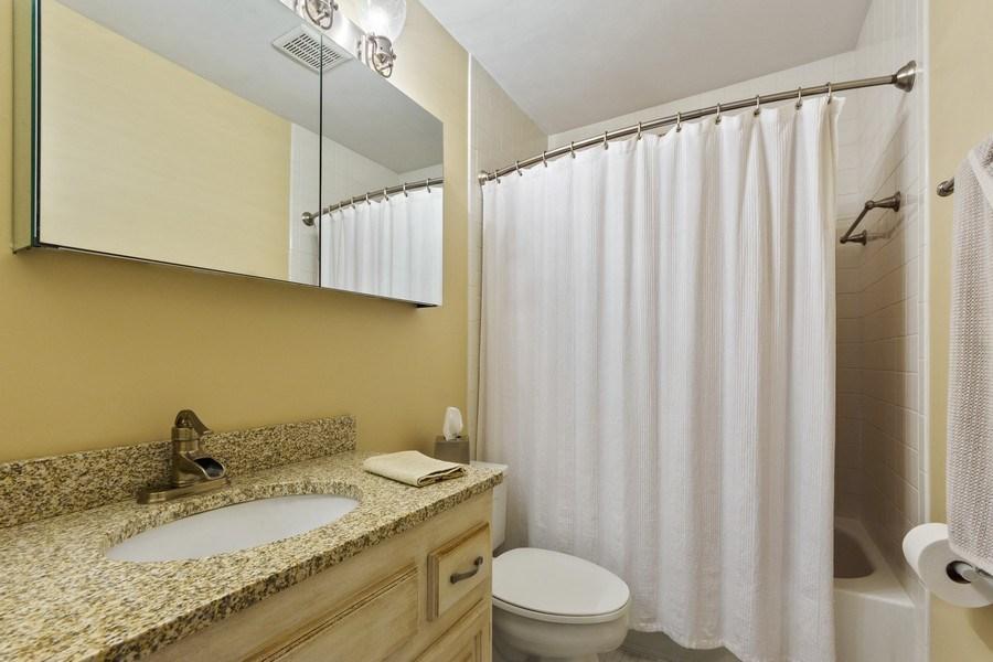 Real Estate Photography - 376 N Oak Hill Road, Lake Barrington, IL, 60010 - 2nd Bathroom