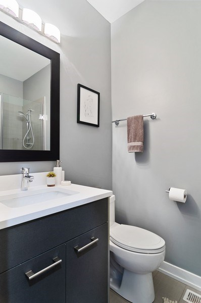 Real Estate Photography - 1536 W. Walton St, 1, Chicago, IL, 60642 - 2nd Bathroom