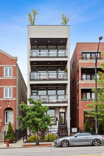 Real Estate Photography - 1459 W Grand Ave, 1, Chicago, IL, 60642 - Front View