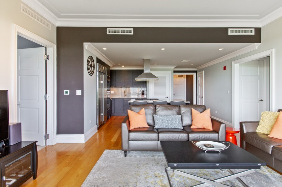 Real Estate Photography - 2550 N Lakeview, N703, Chicago, IL, 60614 - Living Room