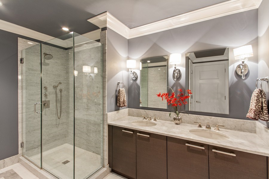 Real Estate Photography - 2550 N Lakeview, N703, Chicago, IL, 60614 - Master Bathroom