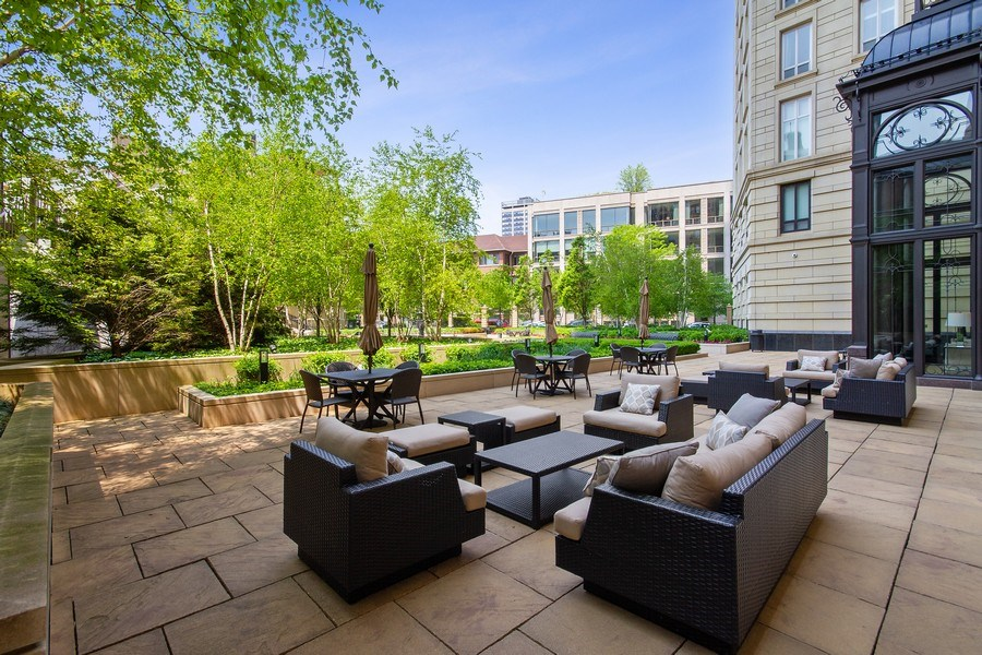 Real Estate Photography - 2550 N Lakeview, N703, Chicago, IL, 60614 - LP2550 Private Terrace