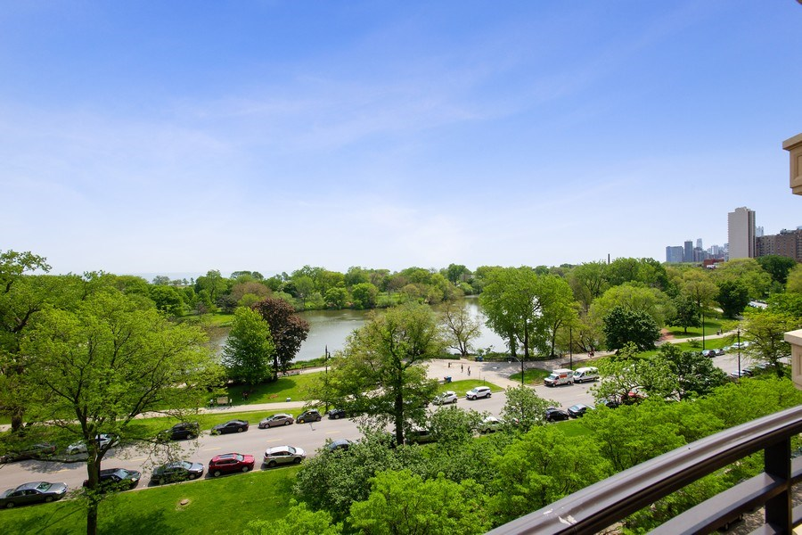 Real Estate Photography - 2550 N Lakeview, N703, Chicago, IL, 60614 - East Lake, Park and Pond Views
