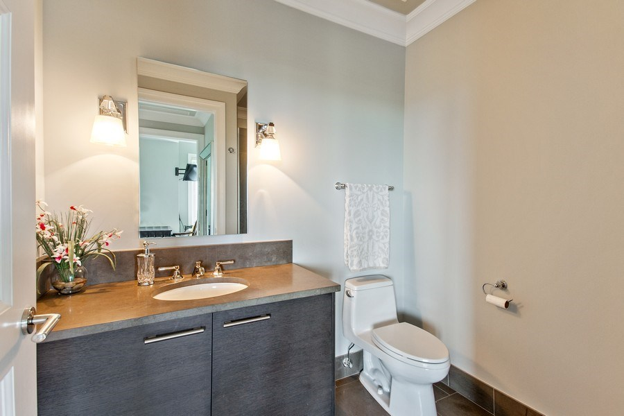 Real Estate Photography - 2550 N Lakeview, N703, Chicago, IL, 60614 - Second Bathroom