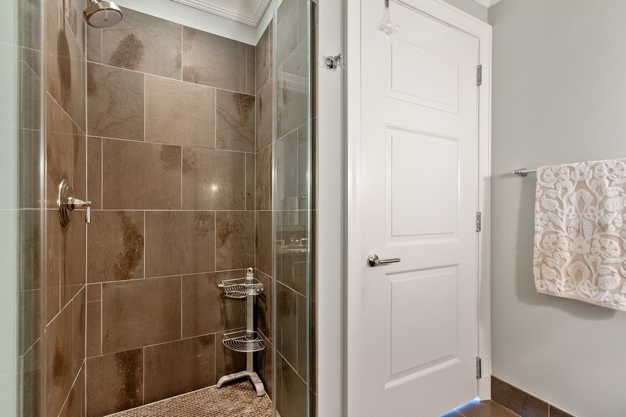 Real Estate Photography - 2550 N Lakeview, N703, Chicago, IL, 60614 - Second Batrhroom Shower