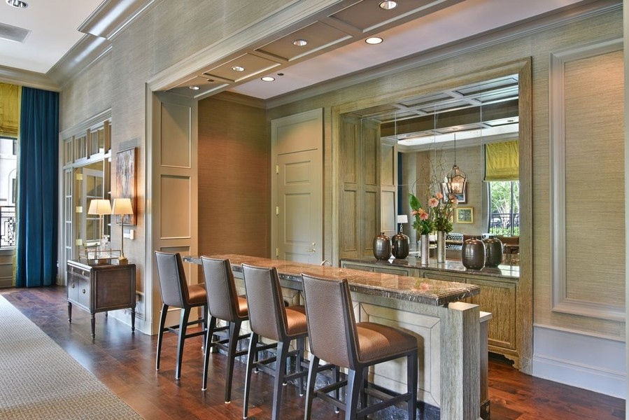 Real Estate Photography - 2550 N Lakeview, N703, Chicago, IL, 60614 - Club Room Bar