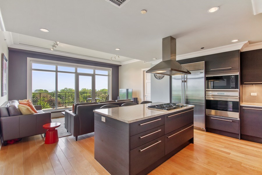 Real Estate Photography - 2550 N Lakeview, N703, Chicago, IL, 60614 - Kitchen/Living