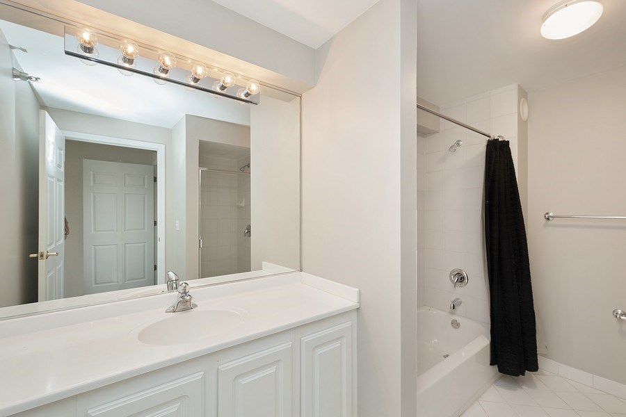 Real Estate Photography - 345 N LaSalle, unit 4602, Chicago, IL, 60654 - Master Bathroom