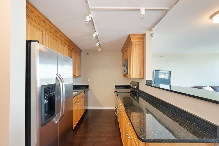 Real Estate Photography - 345 N LaSalle, unit 4602, Chicago, IL, 60654 - Kitchen