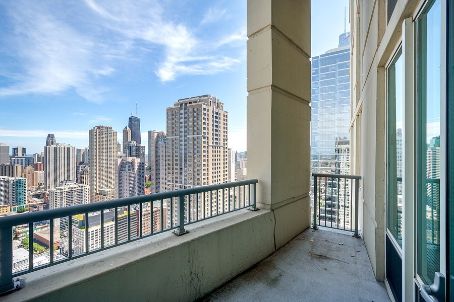 Real Estate Photography - 345 N LaSalle, unit 4602, Chicago, IL, 60654 - Balcony