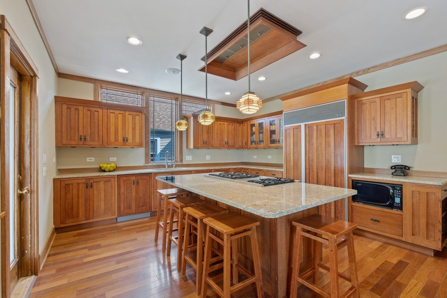 Real Estate Photography - 451 Broadview, Highland Park, IL, 60035 - Kitchen