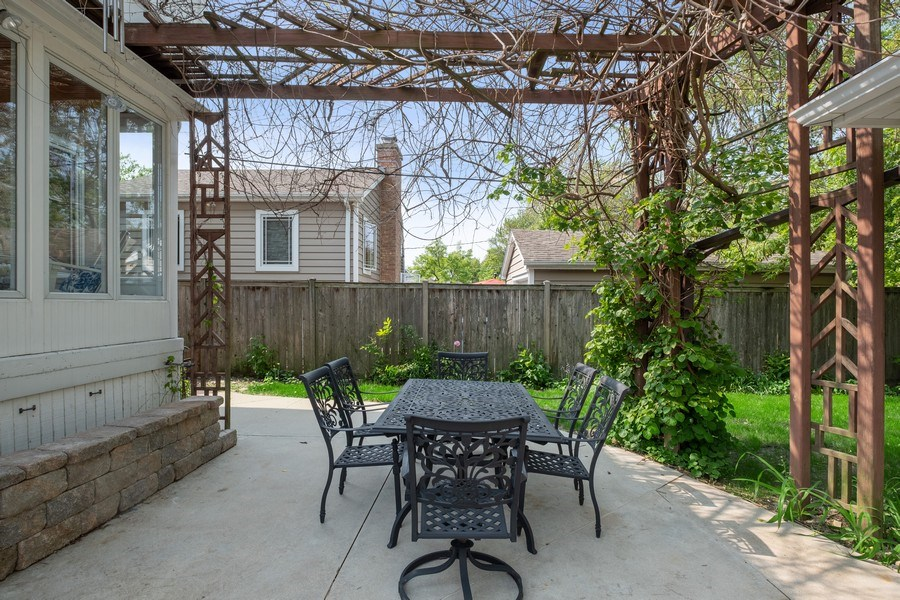 Real Estate Photography - 451 Broadview, Highland Park, IL, 60035 - Patio