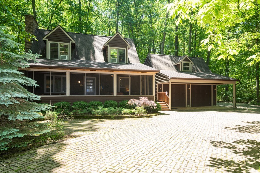 Real Estate Photography - 401 E Madison Ave, New Buffalo, MI, 49117 - Front View