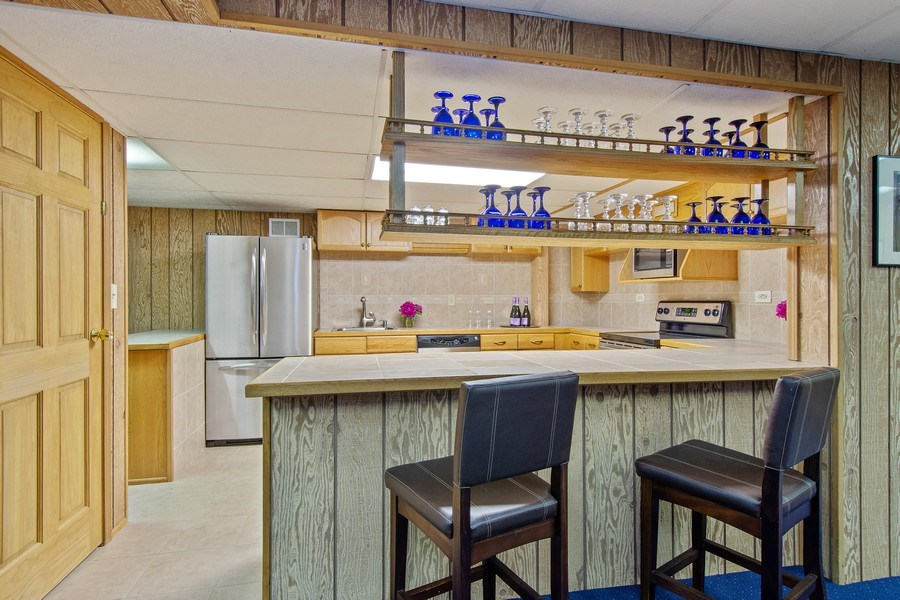 Real Estate Photography - 308 Grayfriars Ln, Inverness, IL, 60067 - 2nd Kitchen