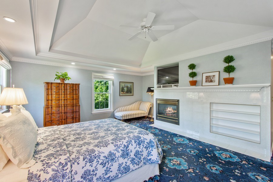 Real Estate Photography - 308 Grayfriars Ln, Inverness, IL, 60067 - Master Bedroom