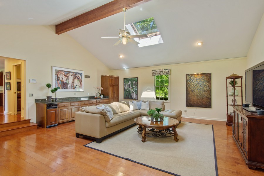 Real Estate Photography - 308 Grayfriars Ln, Inverness, IL, 60067 - Great Room