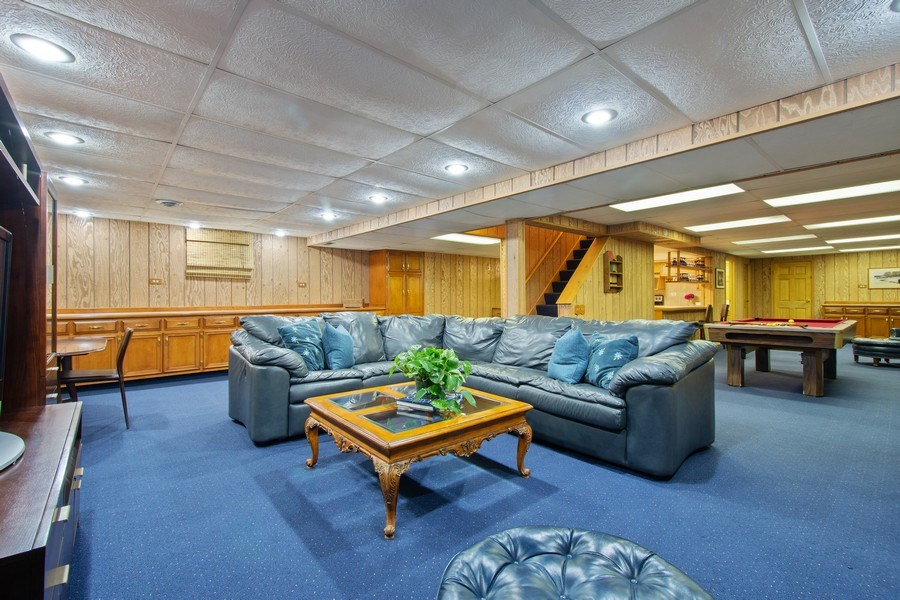 Real Estate Photography - 308 Grayfriars Ln, Inverness, IL, 60067 - Recreation Room / Game Room