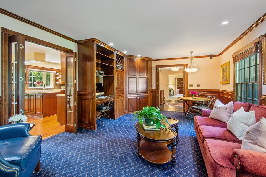 Real Estate Photography - 308 Grayfriars Ln, Inverness, IL, 60067 - Family Room