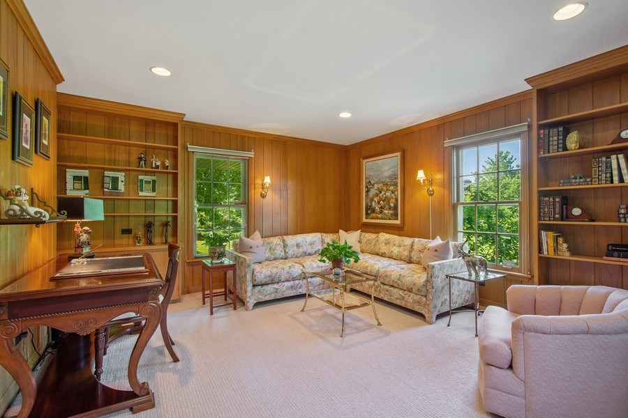 Real Estate Photography - 308 Grayfriars Ln, Inverness, IL, 60067 - Office