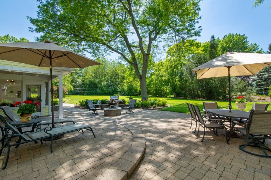 Real Estate Photography - 308 Grayfriars Ln, Inverness, IL, 60067 - Patio