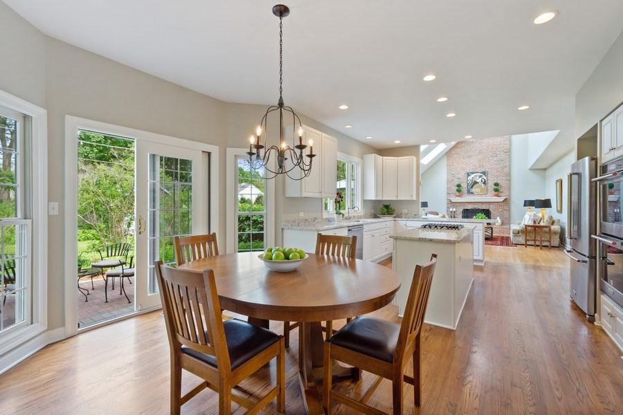 Real Estate Photography - 664 Oak Rd, Barrington, IL, 60010 - Kitchen / Breakfast Room