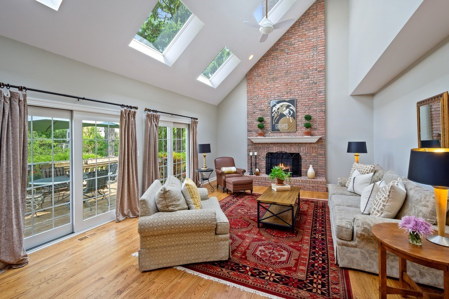 Real Estate Photography - 664 Oak Rd, Barrington, IL, 60010 - Family Room