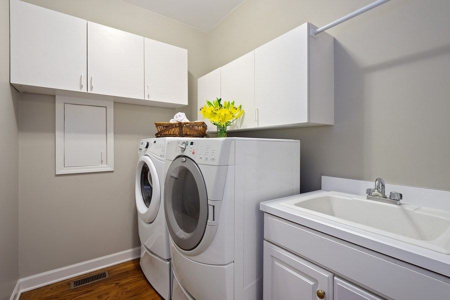 Real Estate Photography - 664 Oak Rd, Barrington, IL, 60010 - Laundry Room