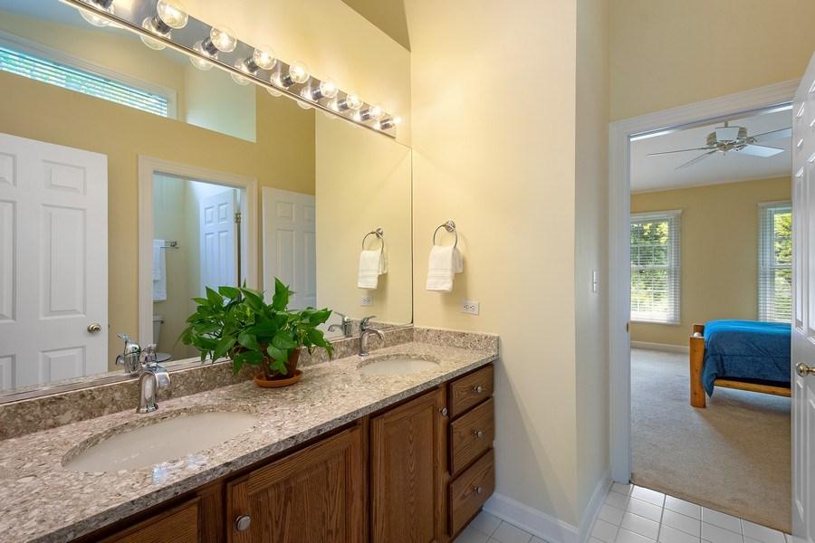 Real Estate Photography - 664 Oak Rd, Barrington, IL, 60010 - Jack & Jill Bathroom
