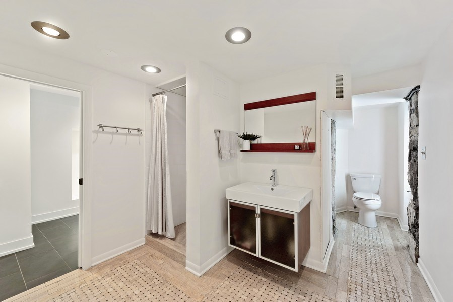 Real Estate Photography - 1406 N. Paulina St., Chicago, IL, 60622 - 3rd Bathroom