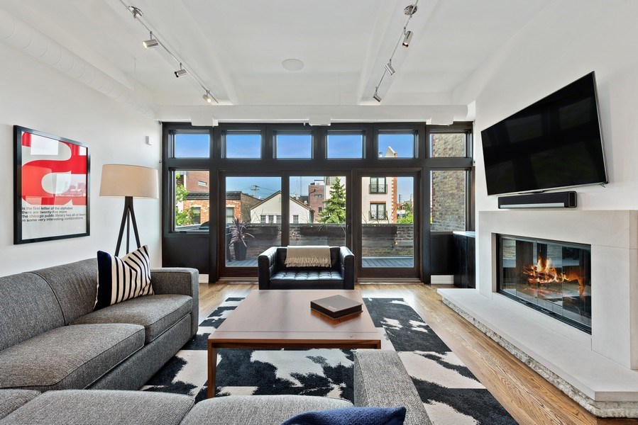 Real Estate Photography - 1406 N. Paulina St., Chicago, IL, 60622 - Living Room