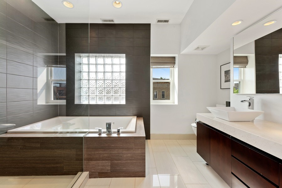 Real Estate Photography - 1406 N. Paulina St., Chicago, IL, 60622 - Master Bathroom