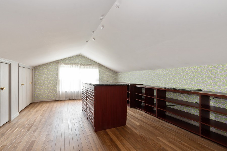 Real Estate Photography - 1154 Sheridan Rd, Highland Park, IL, 60035 - Master Bedroom Closet