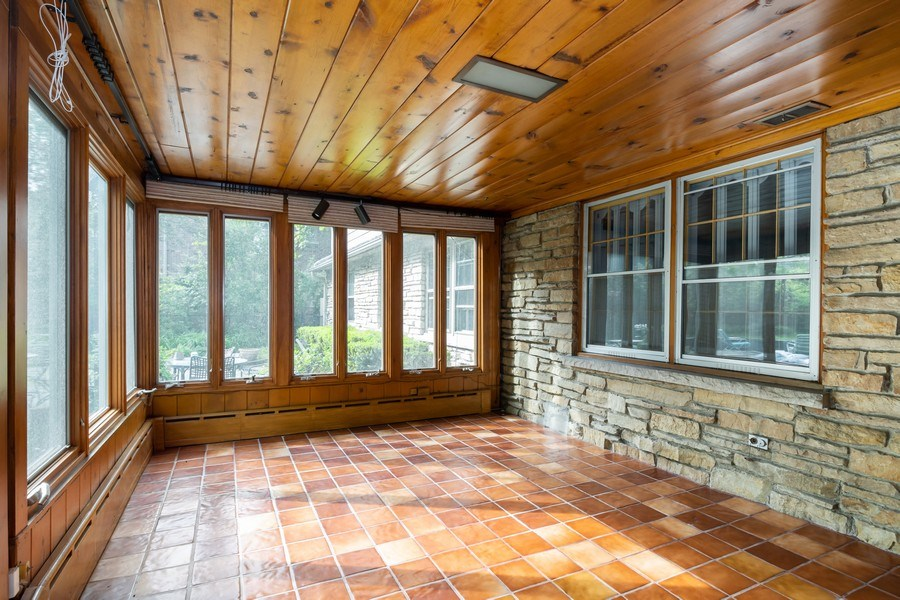 Real Estate Photography - 1154 Sheridan Rd, Highland Park, IL, 60035 - Sun Room