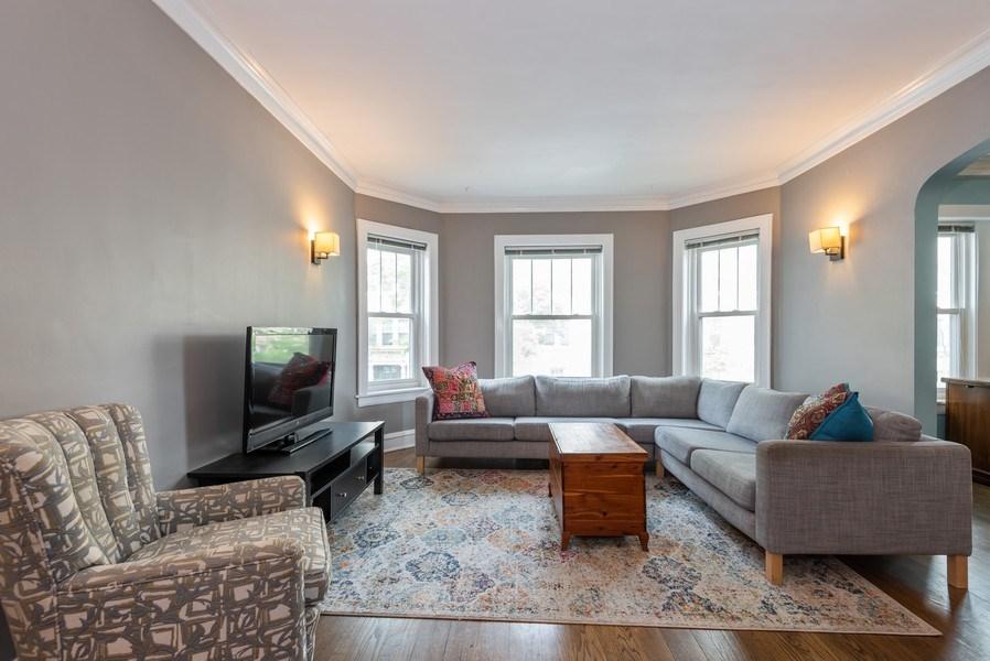 Real Estate Photography - 803 Elmwood, #1N, Evanston, IL, 60202 - Living Room