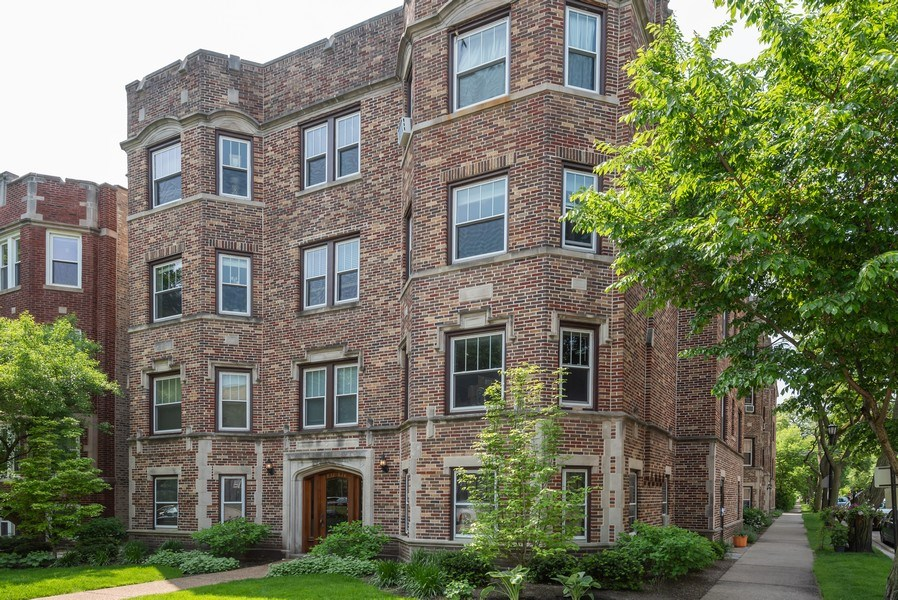 Real Estate Photography - 803 Elmwood, #1N, Evanston, IL, 60202 - Front View