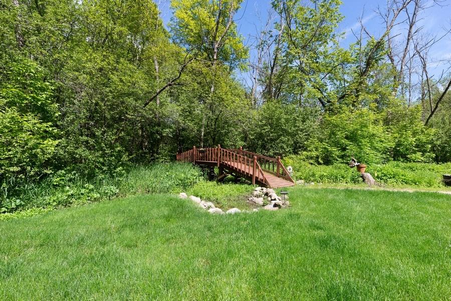 Real Estate Photography - 980 Oak Spring Ln, Libertyville, IL, 60048 - Rear Yard