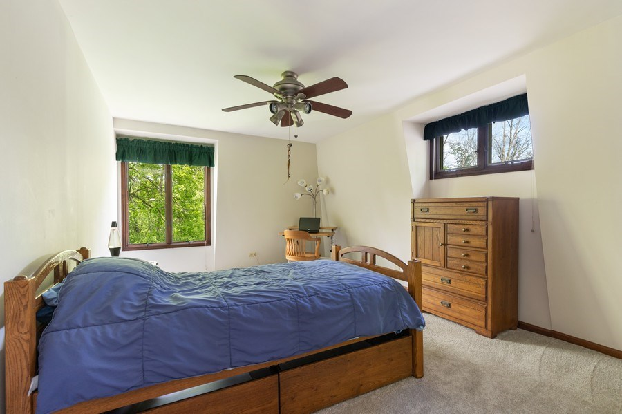 Real Estate Photography - 980 Oak Spring Ln, Libertyville, IL, 60048 - 3rd Bedroom