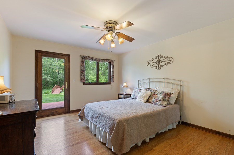 Real Estate Photography - 980 Oak Spring Ln, Libertyville, IL, 60048 - 1st Floor In-Law Suite