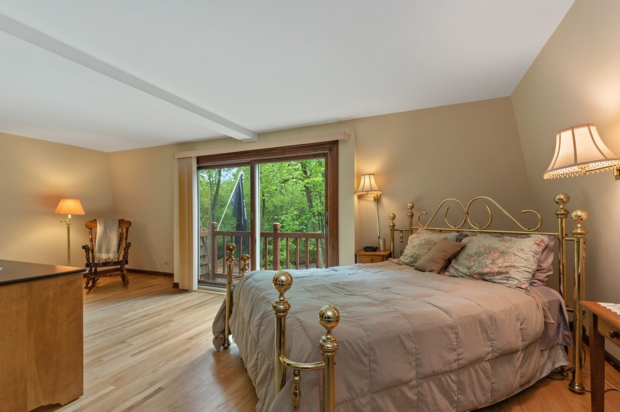 Real Estate Photography - 980 Oak Spring Ln, Libertyville, IL, 60048 - Master Bedroom