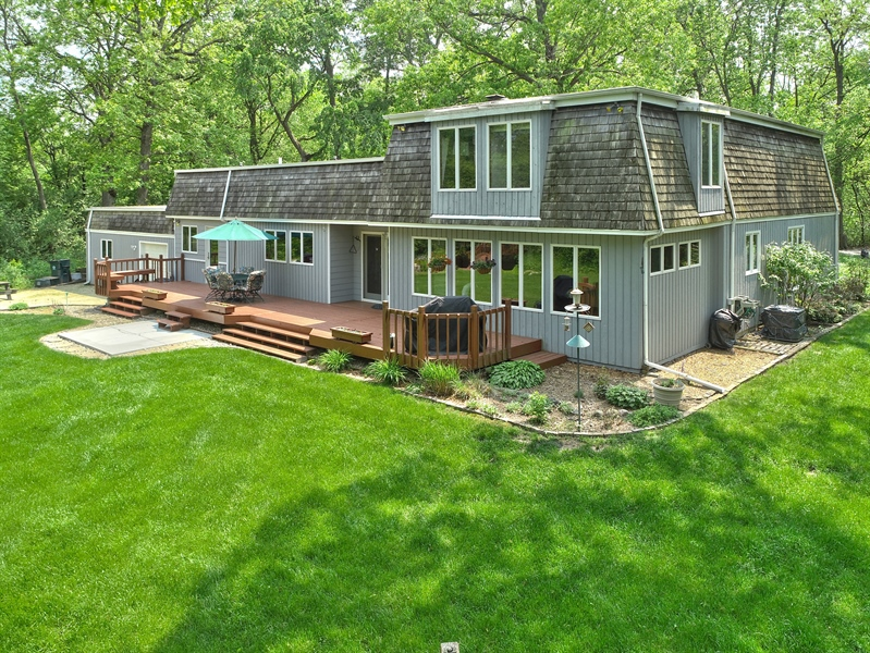 Real Estate Photography - 980 Oak Spring Ln, Libertyville, IL, 60048 - Aerial View